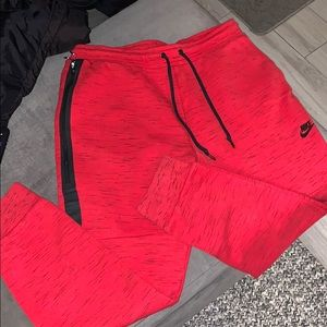 NIKE TECH MENS JOGGERS IN RED
